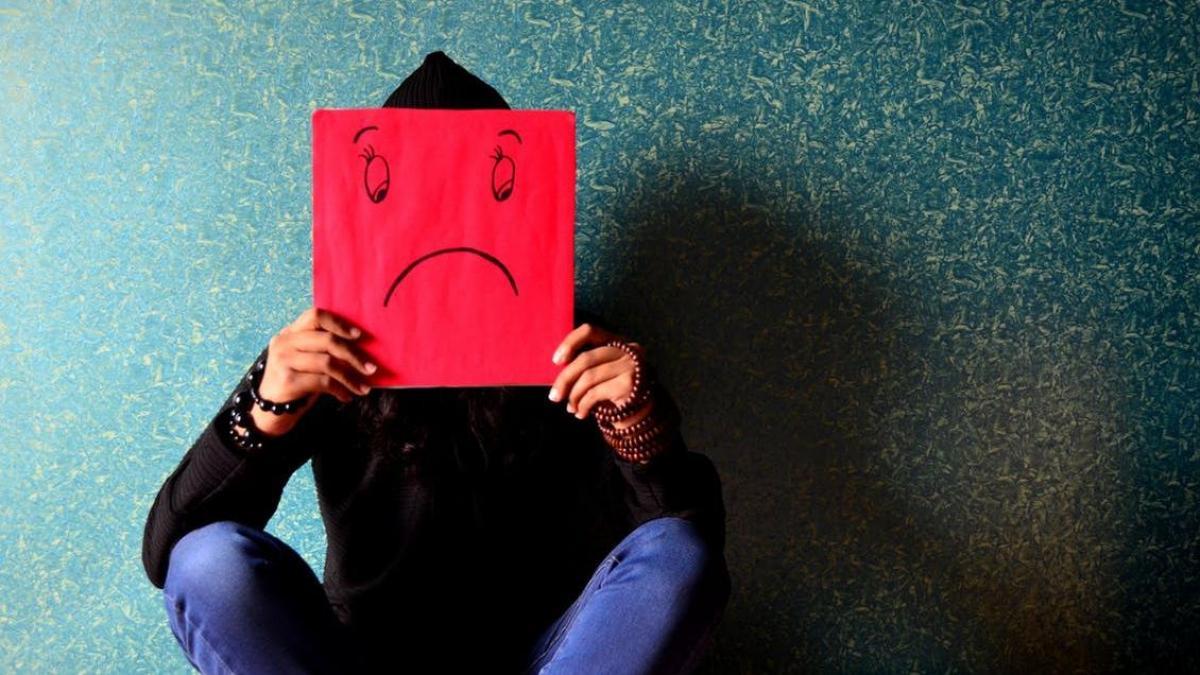 La depresión adolescente, relacionada con el aumento del uso de redes  sociales y televisión