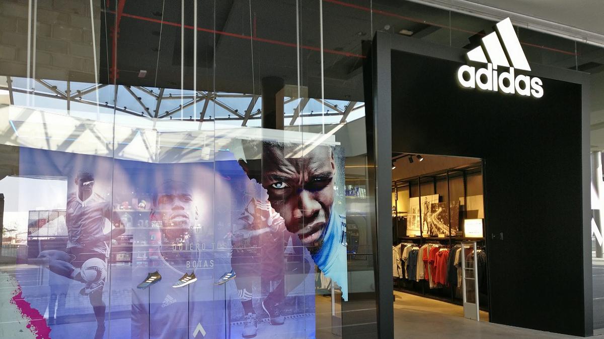 arma nacionalismo basura  Filo's negocia un ERE con 117 despidos en 7 tiendas de Adidas