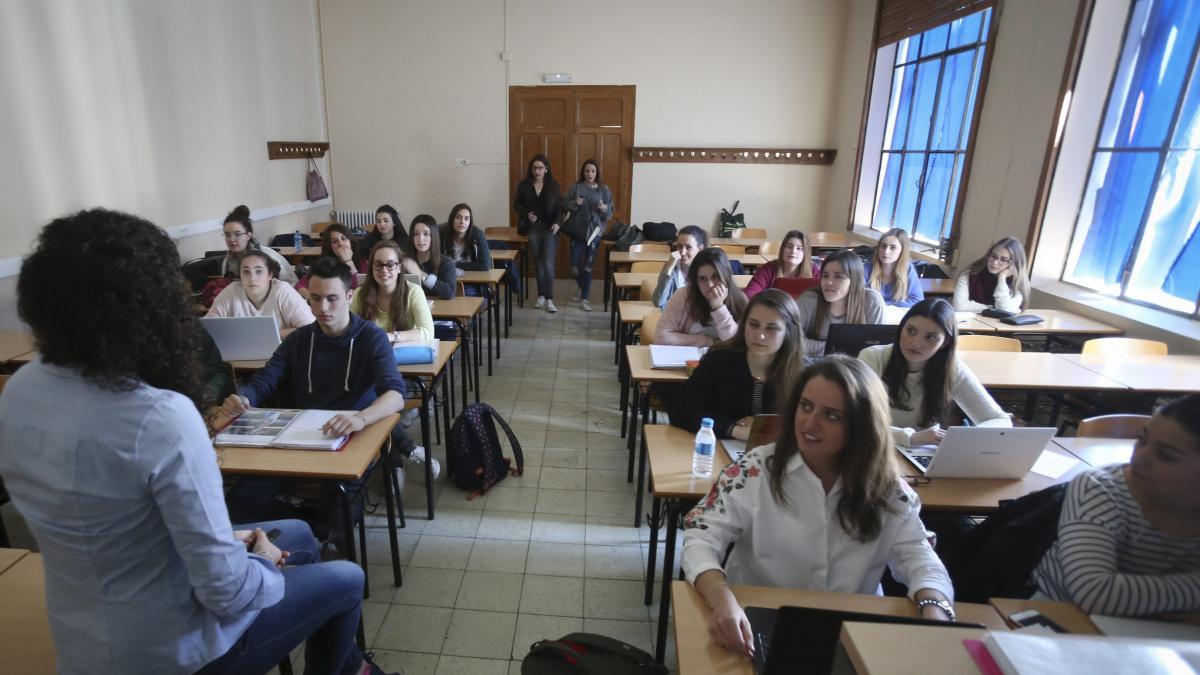 El Campus De Huesca Inicia El Curso Con 3 000 Alumnos Y El Nuevo Doble Grado De Nutrición Y Deporte