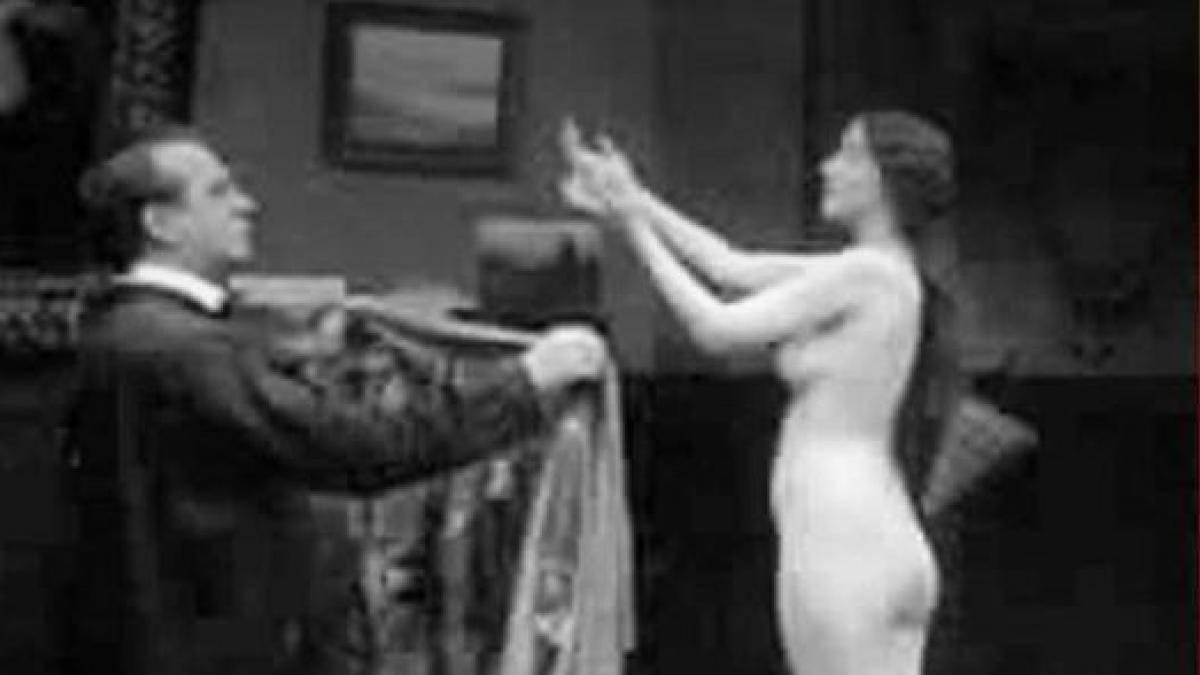 Peliculas porno de principios del siglo xx La Filmoteca Valenciana Custodia 3 Peliculas Porno Que Encargo Alfonso Xiii Noticias De Ocio Y Cultura En Heraldo Es