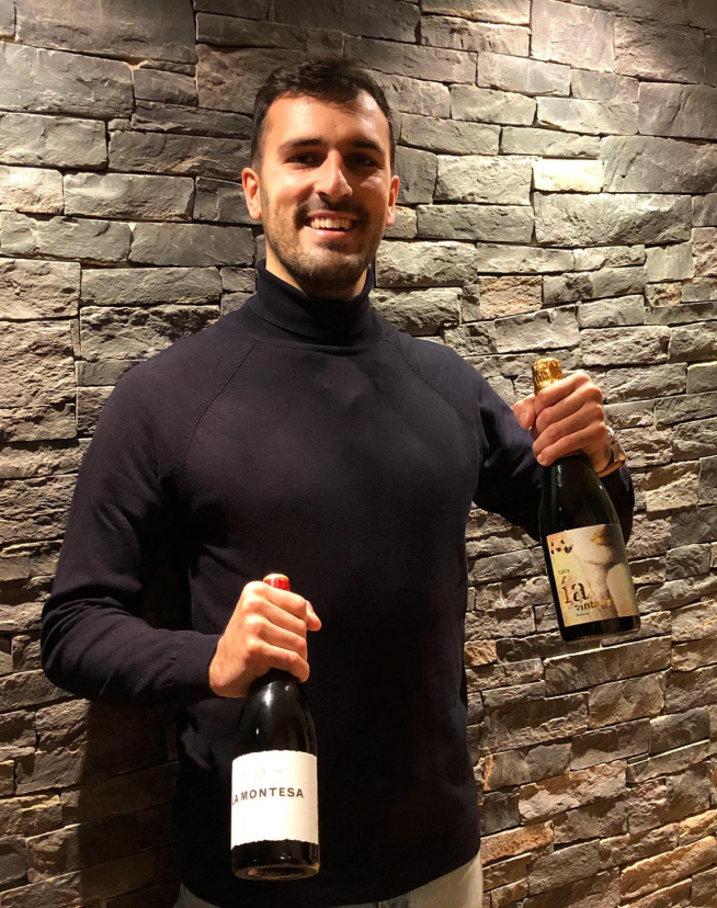 El empresario Álvaro Francés, siempre acompañado de buenos vinos