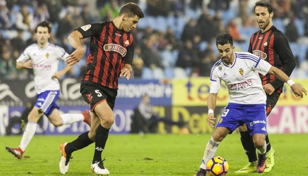 Un lance del Real Zaragoza-Reus de hace dos temporadas, que concluyó con 2-2 en La Romareda.