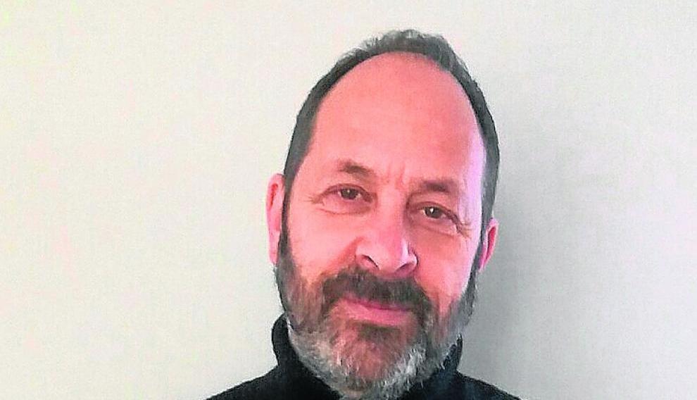 Javier Aguirre es profesor de filosofía y coordinador de 'Rolde'.