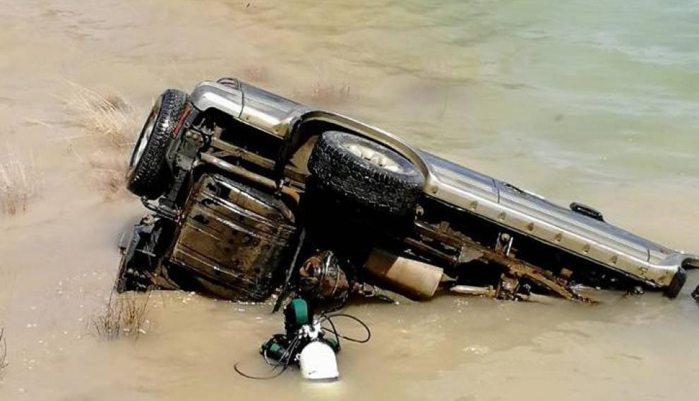 Vehículo aparecido en el pantano de Civán en Caspe