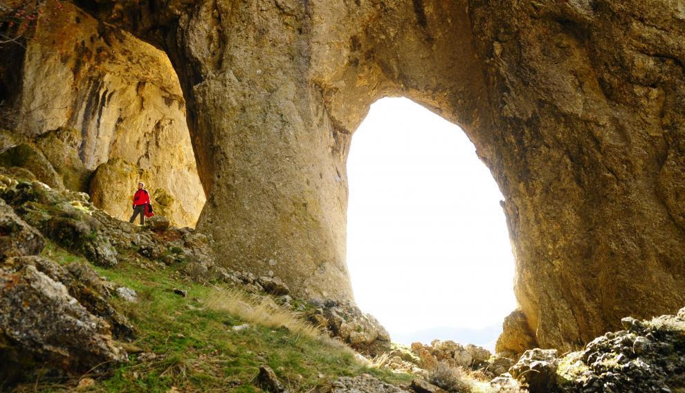 Cueva de los Pilares en Purujosa, Muela del Col, en el Parque Natural del Moncayo.