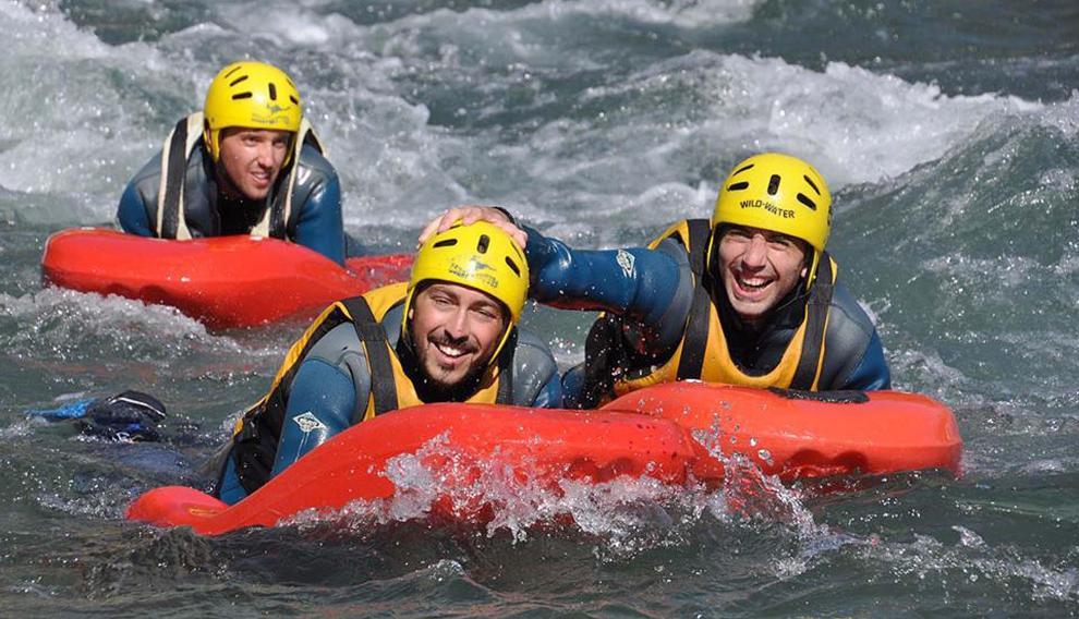 El Ésera y otros cursos fluviales permiten realizar deportes acuáticos como el kayak o el hidrospeed