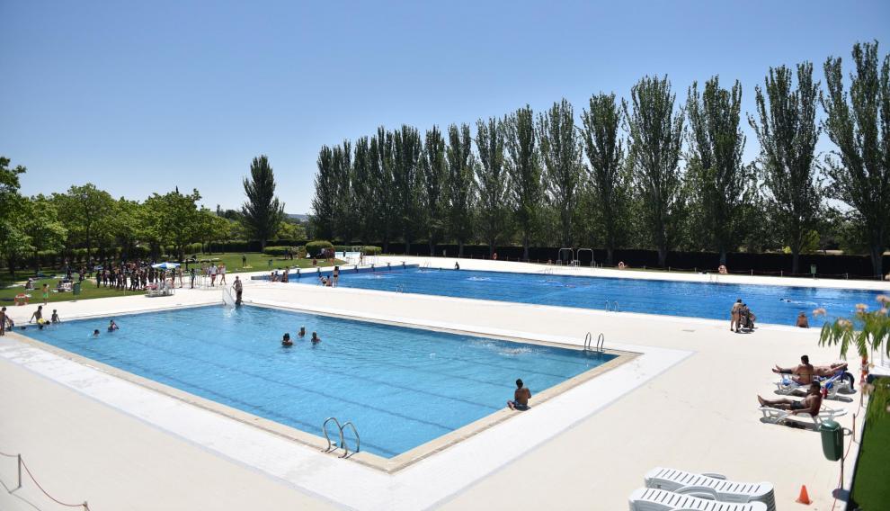 Las piscinas de la Ciudad Deportiva han abierto este viernes tras la reforma.