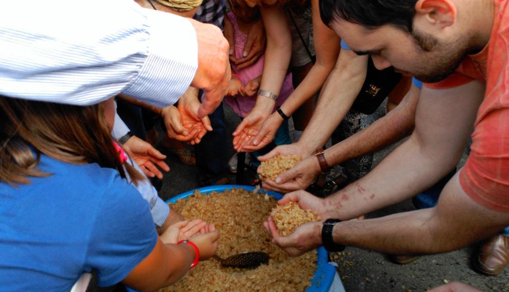 Para comer las migas en Romanos está prohibido usar el plato