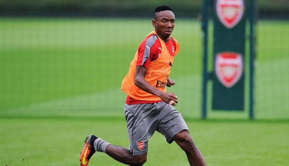 Kelechi Nwakali, en un entrenamiento con el Arsenal.