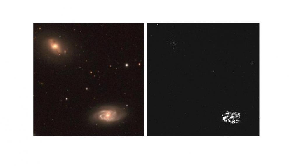 Dos galaxias muy diferentes en nuestro vecindario cósmico. Estas dos imágenes retratan el mismo par de galaxias desde el telescopio Jast de Javalambre. En la primera vemos las dos en el espectro visible. La segunda ha sido obtenida a partir del filtro J0660, que solo permite ver las zonas de las galaxias que están formando estrellas. No es el caso de la de arriba, que 'desaparece'.