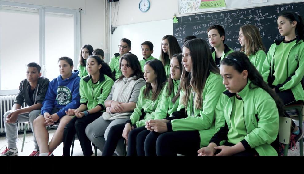 Fotograma de los compañeros de Guillén Abbad del colegio Minte de Monzón