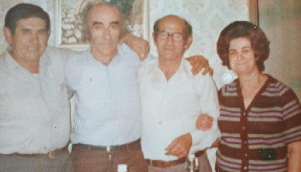 De izquierda a derecha, Miguel Nogarol, Agustín Alamán, Antonio y Carmen Nogarol.