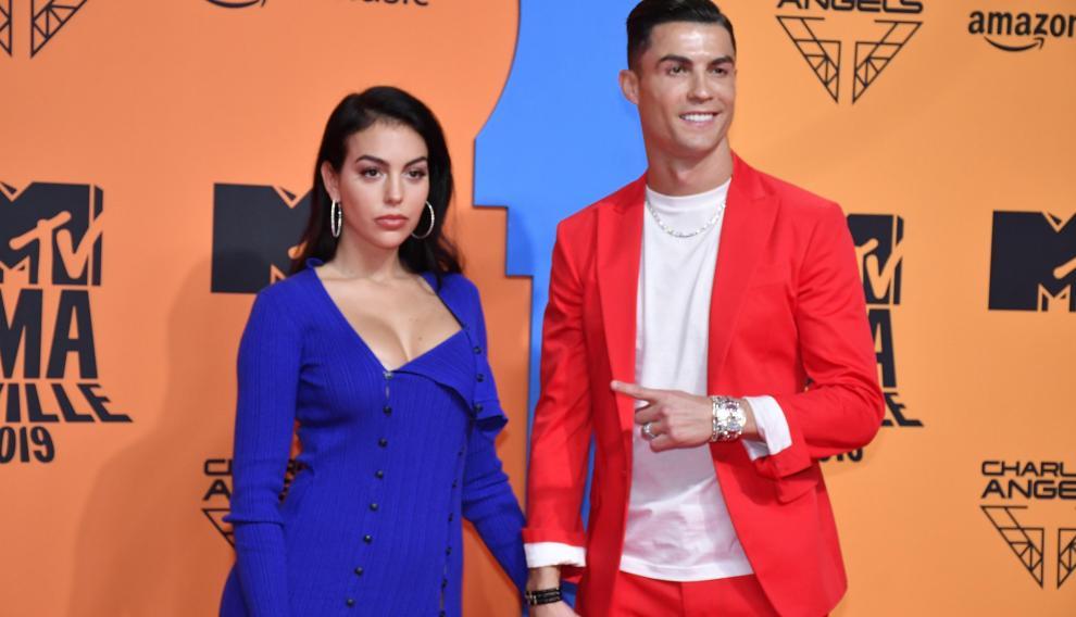 Georgina Rodríguez, de Jacquemus, y su pareja, Cristiano Ronaldo.