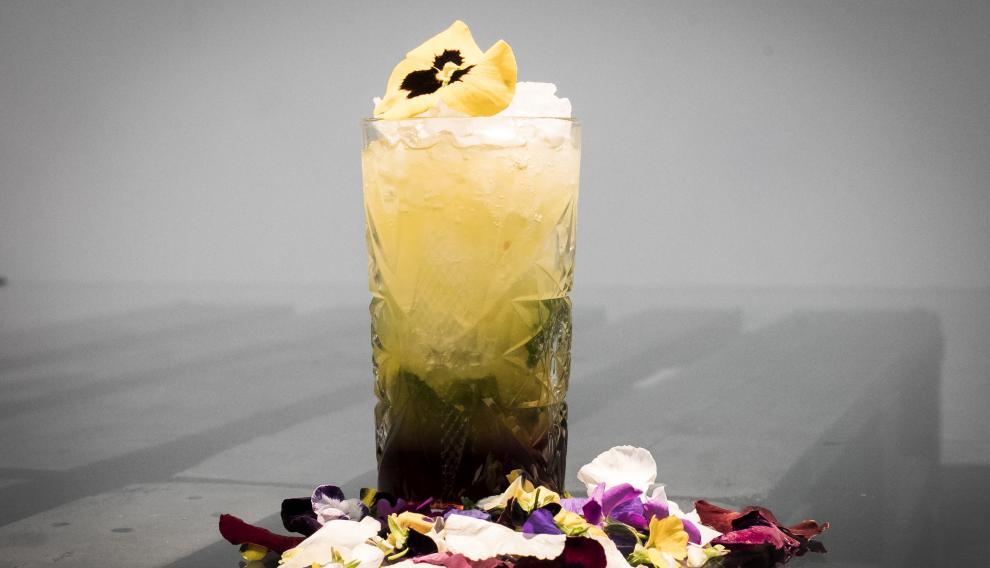 Flor de Maia, un cóctel sin alcohol creado por Jimmy Valios.