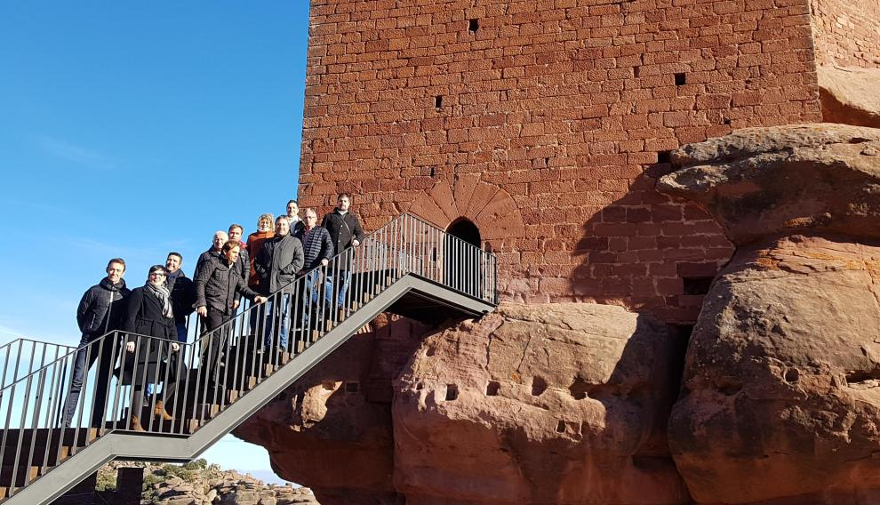 Una de las principales actuaciones es la instalación de una original escalera que permite el acceso a una nueva torre