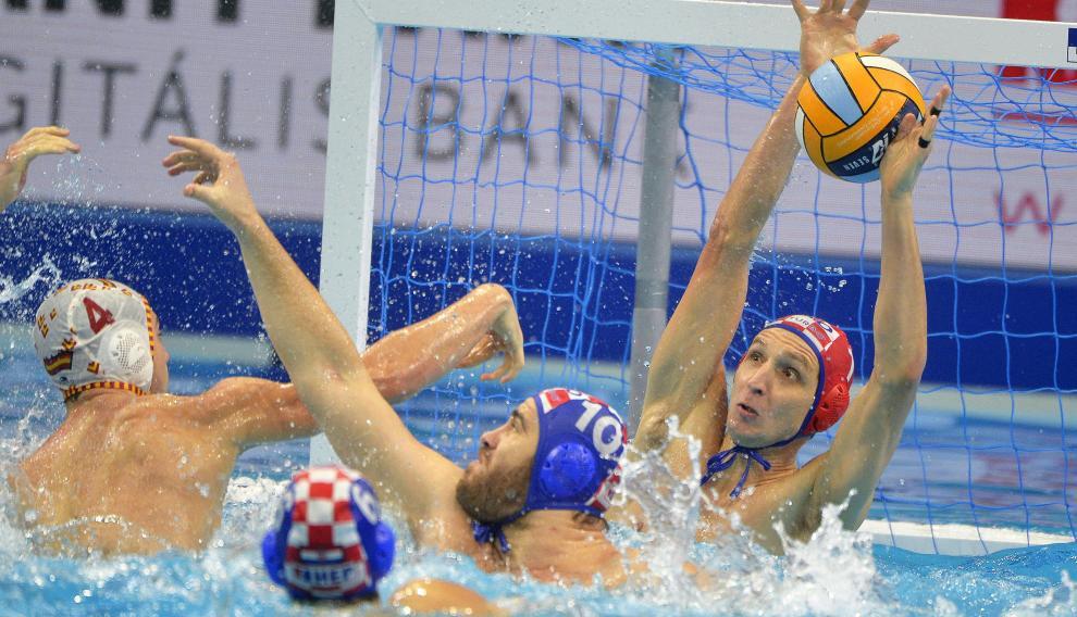 Un lance del partido de este viernes entre España y Croacia