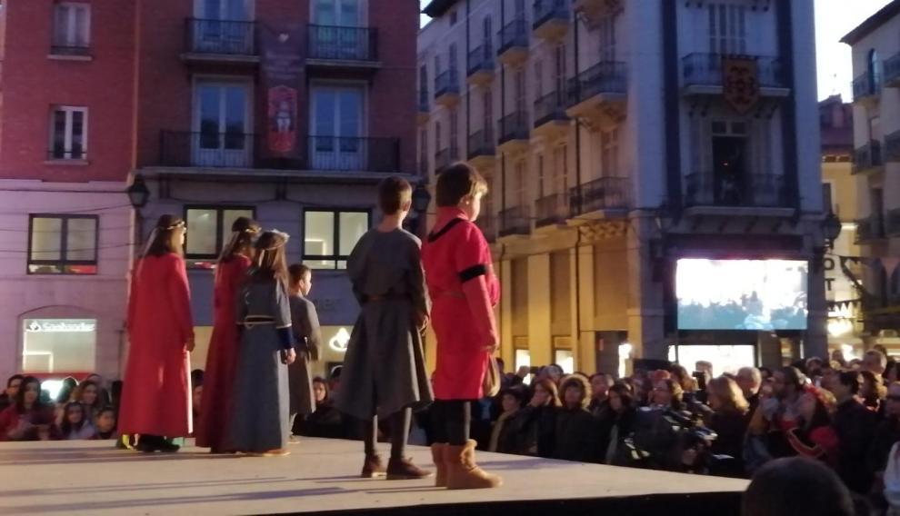 Recreación de Las Bodas en la plaza del Torico