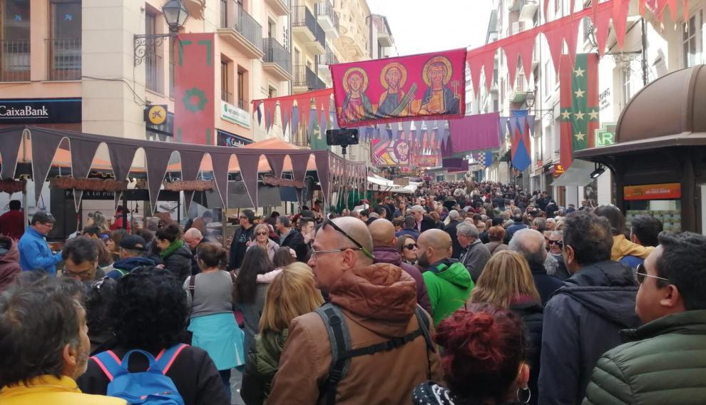 Las calles del centro de Teruel están abarrotadas de visitantes