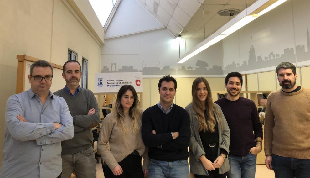 Foto de grupo del equipo de investigación G2PM de la Universidad de Zaragoza, entre los que está Susana Díez.