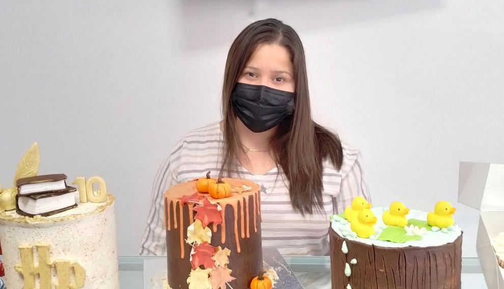 Marianmy Zambrano, responsable de Sugar House, una pastelería ubicada en la calle de Pano y Ruata, 9.