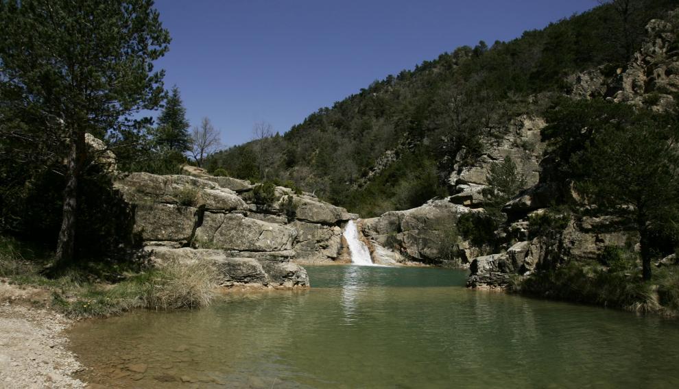 El pozo de Pigalo en la cabecera del río Arba de Luesia (Zaragoza).
