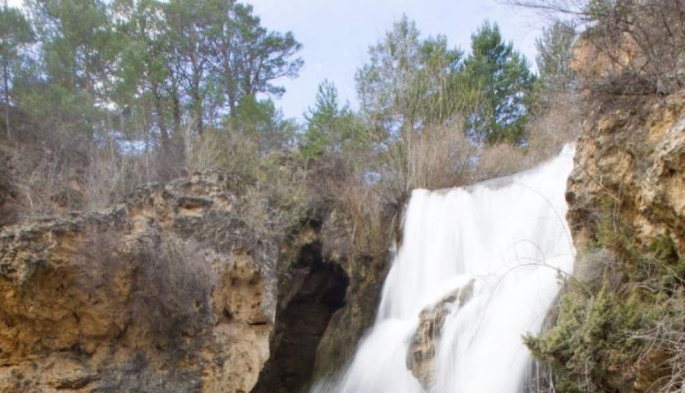 Cascada de Calomarde o del Molino Viejo, en la sierra de Albarracín.