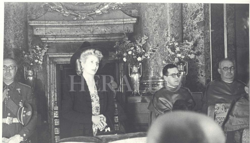 Eva Duarte de Perón, primera dama argentina, visita Zaragoza y a la Virgen el 21 de junio de 1947