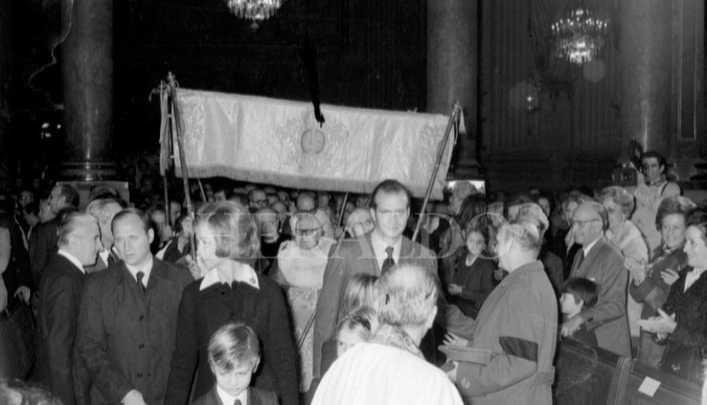 Primera visita de la Familia Real a Zaragoza tras la proclamación de Juan Carlos I como rey de España. Visita realizada el 14 de diciembre de 1975