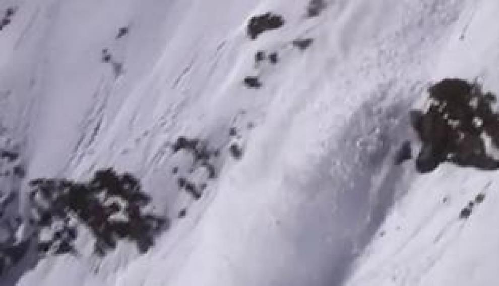 Así se provoca una avalancha de nieve
