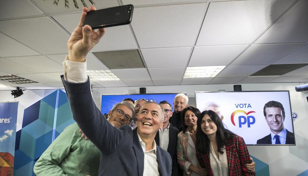 Arranque de campaña en la sede del PP aragonés