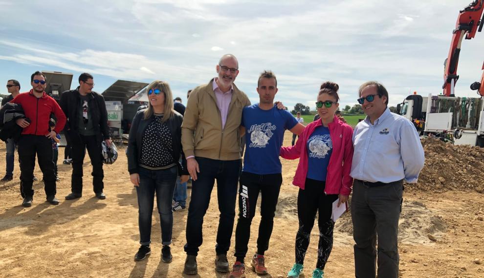 Representantes públicos, Territorial y gestores del circuito de motocross, en la inauguración de este domingo en Monzón