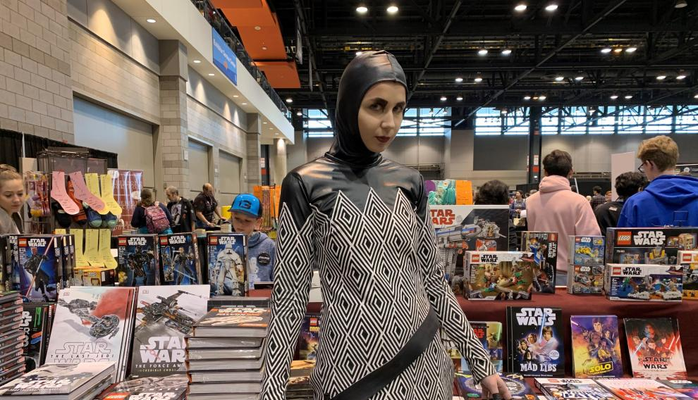 Anna, ataviada con su disfraz en la Star Wars Celebration.