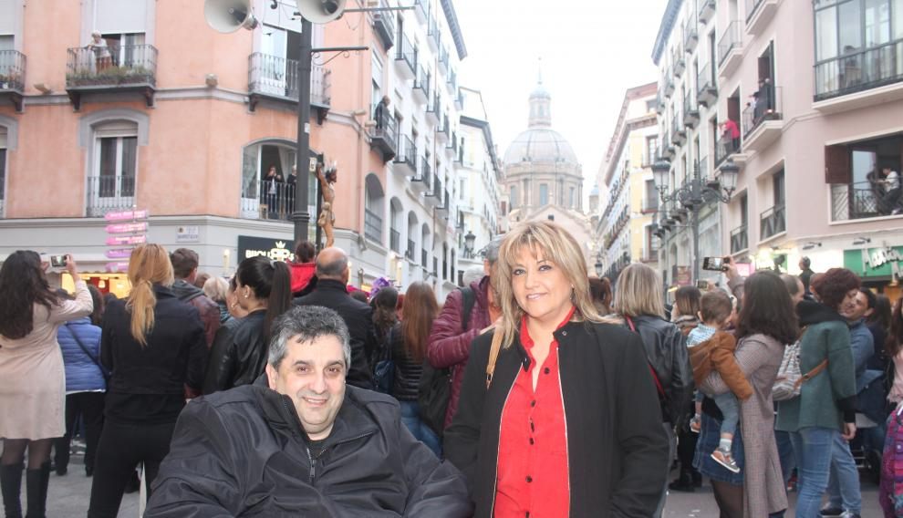 Manuel y Ana, vecinos de Garrapinillos, asistieron también este Viernes Santo a la procesión.