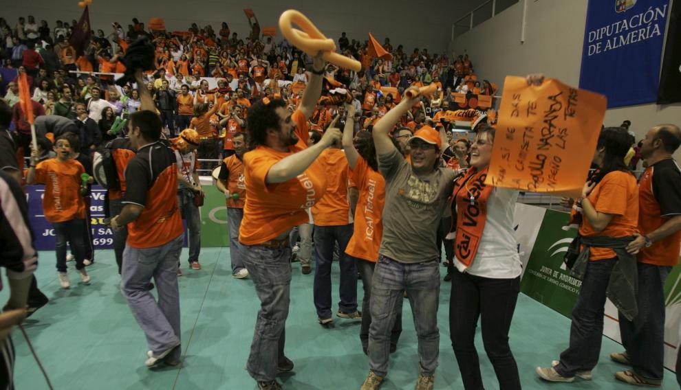 Más de 300 aficionados se desplazaron a Almería para vivir la final