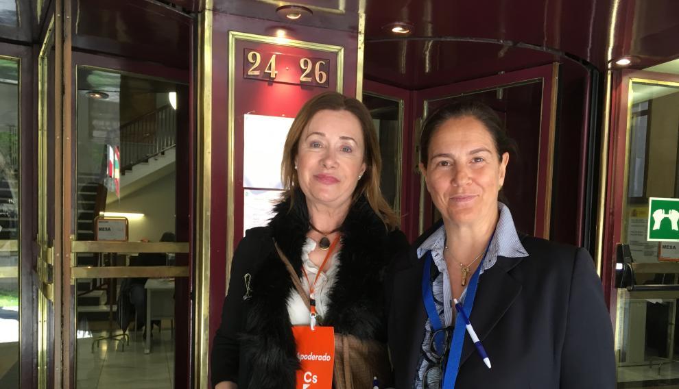 Marta Gascón y Elena Magé, apoderadas de Ciudadanos y del PP, respectivamente.