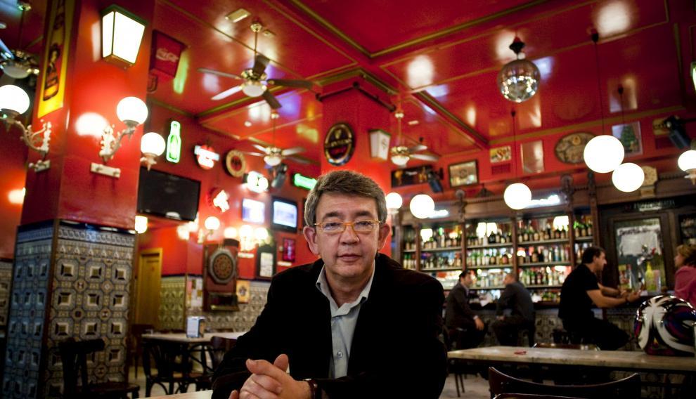 Guilerlo Busutil es periodista y escritor, y director de 'Mercurio' hasta su cierre.