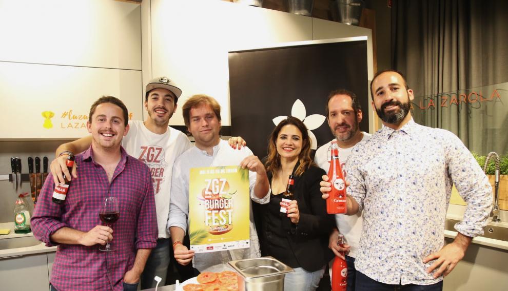 Los organizadores del festival, durante la presentación, en La Zarola.