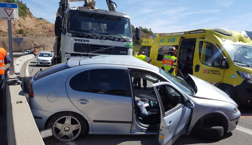 El accidente se ha producido a la altura del desvío a La Puebla de Castro.