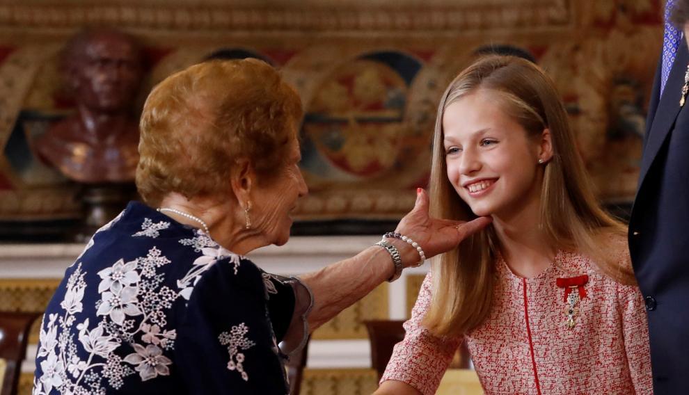 Clotilde Vienel saluda a la princesa Leonor.