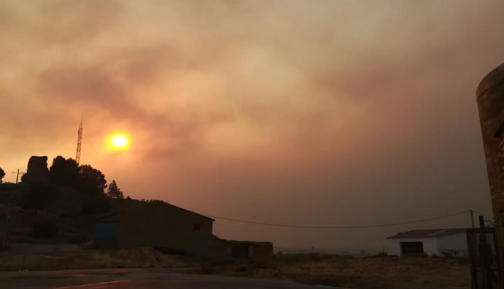 El humo también se deja notar en Pallaruelo de Monegros.