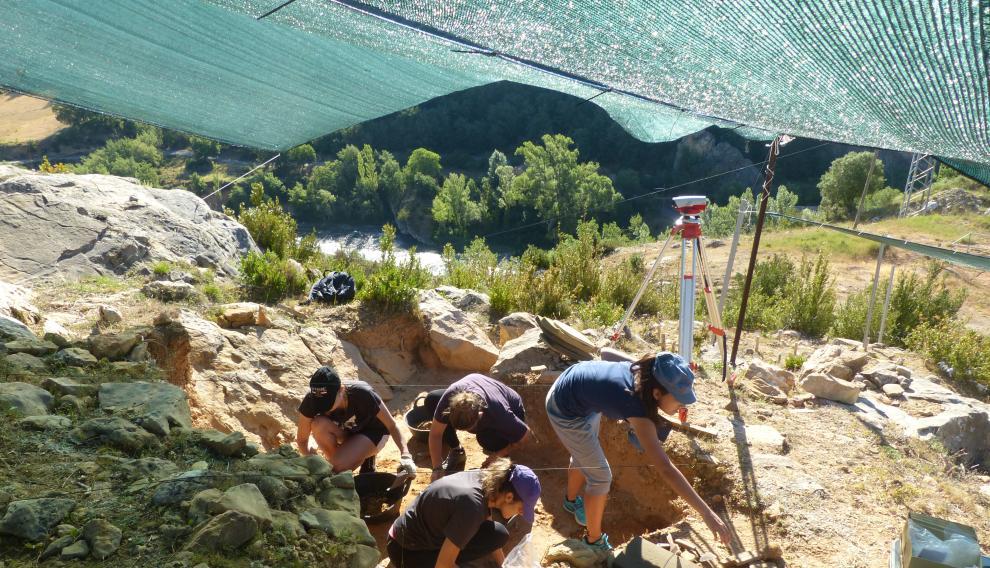 En las excavaciones participan estudiantes rusos y españoles.