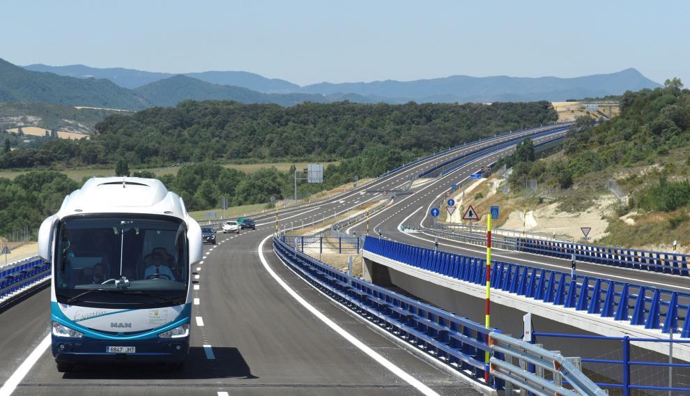 Vista general del tramo de la autovía A-21, entre Jaca y Santa Cilia.