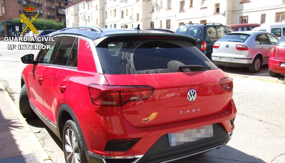 El  Volkswagen rojo modelo T Roc utilizado en el alunizaje.