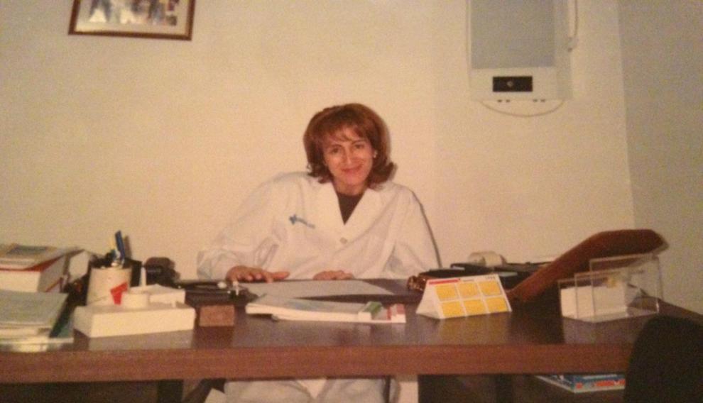 Celina Maldonado, médica del centro de salud de Aínsa, en una fotografía de archivo de sus primeros años.