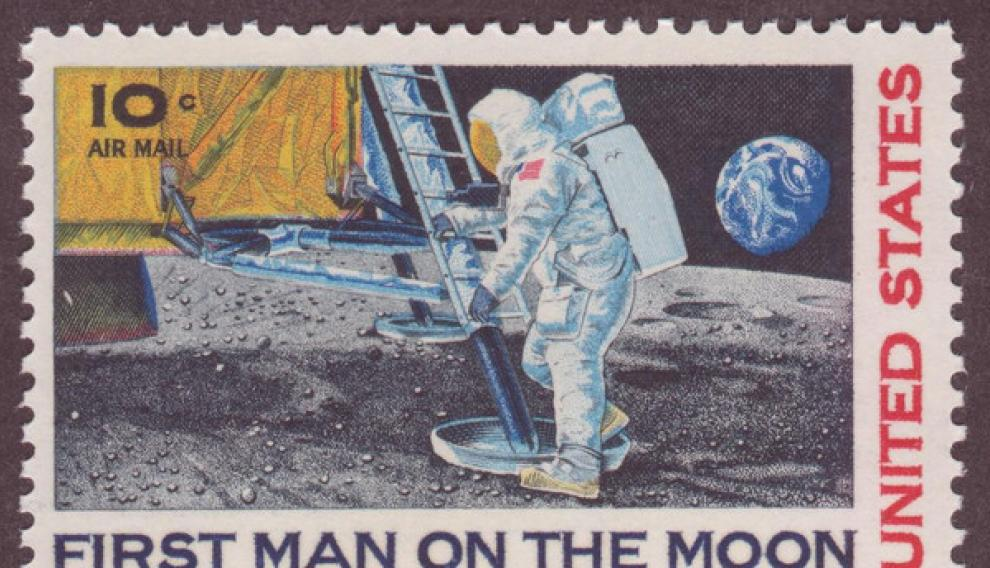 Sello de 10 centavos de dólar conocido como 'First man in the Moon'