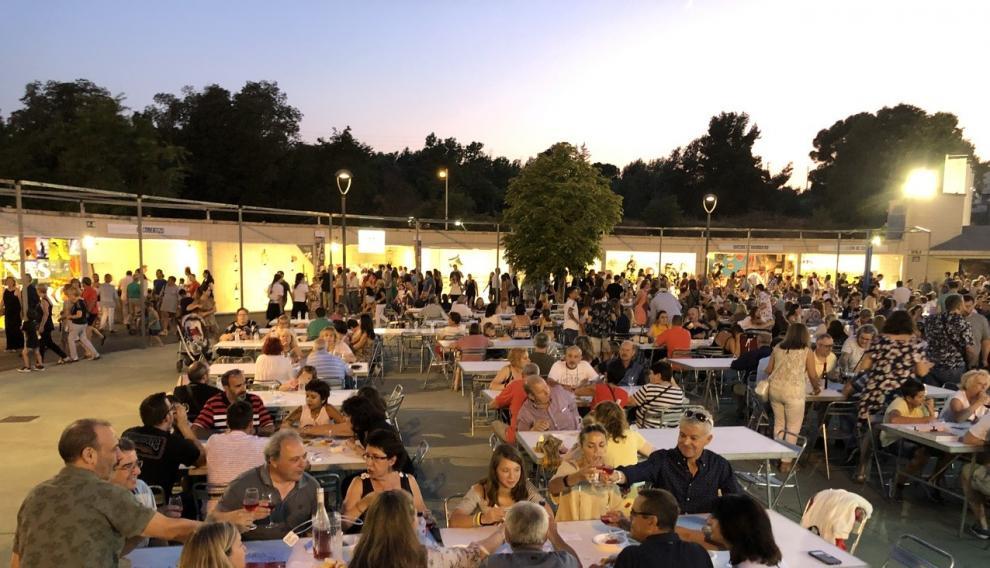 Miles de personas han disfrutado de una amplia carta de vinos Somontano.
