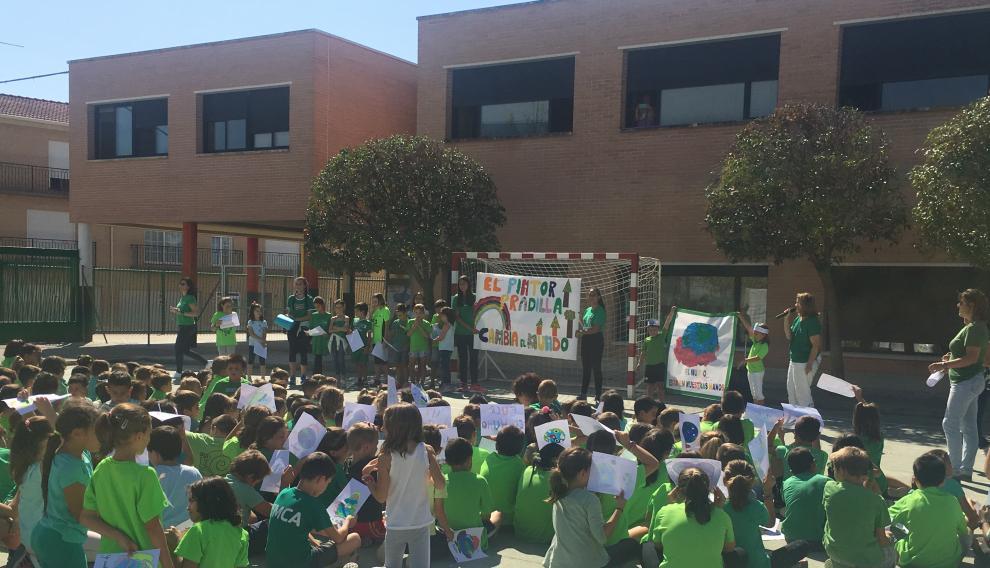 Acción llevada a cabo este viernes en el colegio Pintor Pradilla de Villanueva de Gállego.