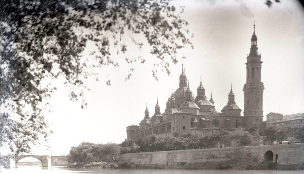 El Pilar con un torre