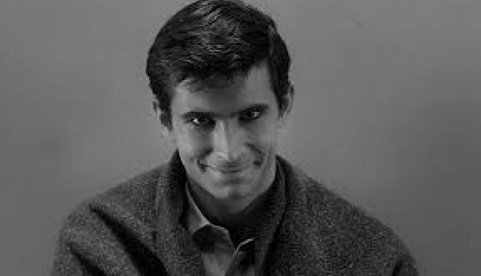 Anthony Perkins y su desasosegante mirada a cámara en 'Psicosis'.