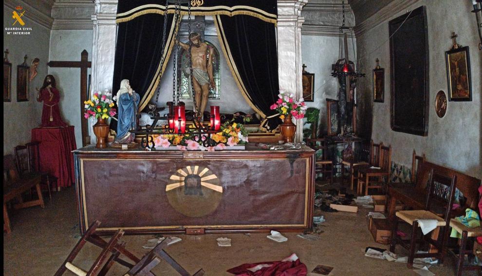 Estado en el quedó el interior de la ermita del Santo Sepulcro de Tauste